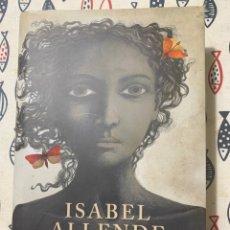Libros de segunda mano: LA ISLA BAJO EL MAR DE ISABEL ALLENDE. Lote 235198095