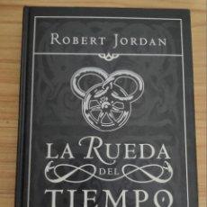 Libros de segunda mano: NUEVA PRIMAVERA (ROBERT JORDAN) PRECUELA DE LA RUEDA DEL TIEMPO - TIMUN MAS. Lote 235203535