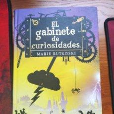 Libros de segunda mano: EL GABINETE DE CURIOSIDADES. MARIE RUTKOSKI. CIRCULO DE LECTORES.. Lote 237720200