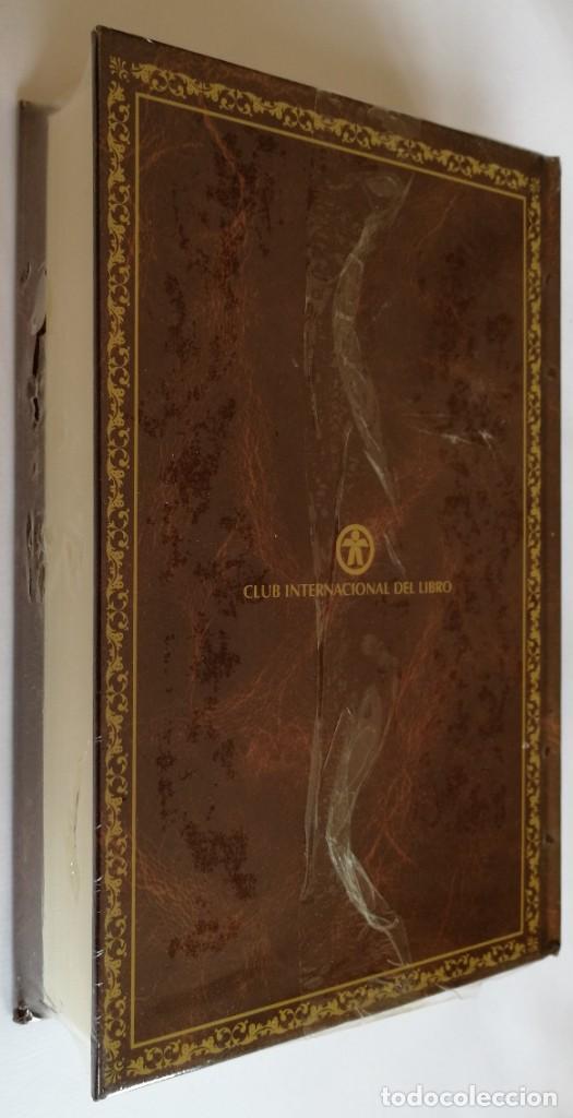 Libros de segunda mano: (PLASTIFICADO, SIN ABRIR) CINCO SEMANAS ENGLOBO, JULIO VERNE, CLUB INTERNACIONAL DE LIBRO - Foto 2 - 246053990