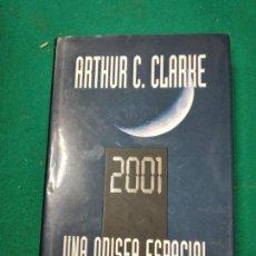 Libros de segunda mano: ARTHUR C. CLARKE. 2001 UNA ODISEA ESPACIAL. PLAZA JANES 2003.. Lote 256138730