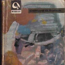 Libros de segunda mano: ESTACIÓN DE TRANSITO - CLIFFORD D. SIMAK - NEBULAE 120 - EDHASA 1966. Lote 262904705