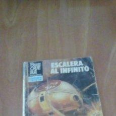 Libros de segunda mano: HÉROES DEL ESPACIO. Nº 173. ESCALERA AL INFINITO. CLARK CARRADOS.. Lote 262925735