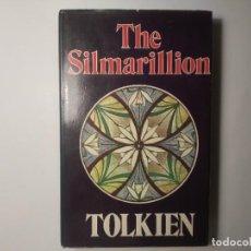 Libros de segunda mano: THE SILMARILLION TOLKIEN GEORGE ALLEN & UNWIN 1977 PRIMERA EDICIÓN LIBRO EN INGLÉS. Lote 263066710