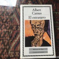 Libros de segunda mano: EL EXTRANJERO. ALBERT CAMUS. BIBLIOTECA DE PLATA. CÍRCULO DE LECTORES. Lote 269691733