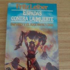 Libros de segunda mano: ESPADAS CONTRA LA MUERTE - FAFHRD Y EL RATONERO GRIS 2 (FRITZ LEIBER) MARTÍNEZ ROCA FANTASY Nº 8. Lote 295552128