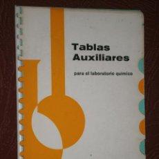 Libros de segunda mano de Ciencias: TABLAS AUXILIARES PARA EL LABORATORIO QUÍMICO POR E. MERCK AG EN DARMSTADT (ALEMANIA) S/F. Lote 27501815