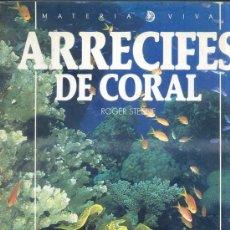 Libros de segunda mano: ARRECIFES DE CORAL - GRAN FORMATO. Lote 28279447