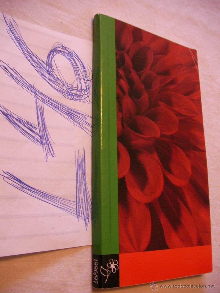 LIBRO CON 758 ILUSTRACIONES Y ESPECIFICACIONES DE VARIEDADES DE FLORES EN SEIS IDIOMAS (Libros de Segunda Mano - Ciencias, Manuales y Oficios - Biología y Botánica)