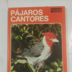 Libros de segunda mano: DOCUMENTAL EN COLOR. PÁJAROS CANTORES. EDITORIAL TEIDE / INST. GEOGRAFICO DE AGOSTINI - 1972. ARM10. Lote 92741645