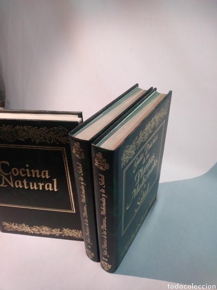 Libros de segunda mano: GUÍA PRÁCTICA DE LAS PLANTAS MEDICINALES Y LA SALUD + COCINA NATURAL - Foto 2 - 101091083
