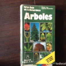 Libros de segunda mano - Árboles. Gran guía de la naturaleza - 103895174