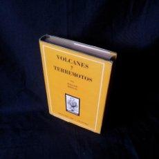 Libros de segunda mano: ROGER MOULIN - VOLCANES Y TERREMOTOS - COLECCION ORO 118/119 - ATLANTIDA 2ª EDICION 1952. Lote 120998891