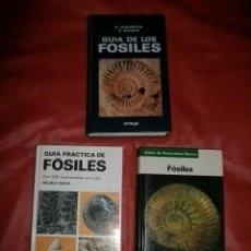 Libros de segunda mano: LOTE DE TRES GUÍAS DE FÓSILES. Lote 121541899