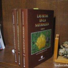 Libros de segunda mano: LAS SETAS EN LA NATURALEZA , IBERDROLA , RAMON MENDAZA TOMOS I, II Y III COMPLETA COMO NUEVOS.. Lote 151891424