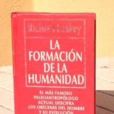 Libros de segunda mano: RICHARD LEAKEY: LA FORMACIÓN DE LA HUMANIDAD. Lote 128172959