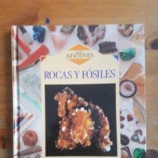 Libros de segunda mano: ROCAS Y FÓSILES, OLIVER, RAY PUBLICADO POR EDITORIAL DEBATE 1993 76PP. Lote 152775882