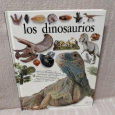 Libros de segunda mano: LOS DINOSAURIOS - DAVID NORMAN Y ANGELA MILNER - BIBLIOTECA VISUAL ALTEA. Lote 154135790