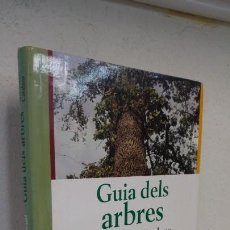 Libros de segunda mano: GUIA DELS ARBRES DELS PAÏSOS CATALANS RAMON PASCUAL. Lote 156216190