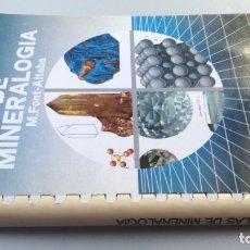 Libros de segunda mano: ATLAS DE MINERALOGIA - M FONT ALTABA - EDICIONES JOVER / G304. Lote 176146260