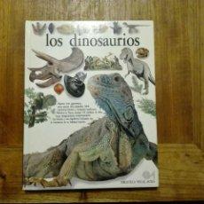 Libros de segunda mano: LOS DINOSAURIOS - BIBLIOTECA VISUAL ALTEA 1990. Lote 179185022