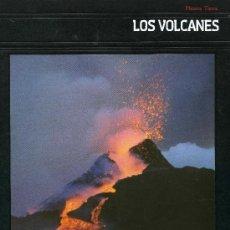 Libros de segunda mano: LOS VOLCANES. Lote 193923676