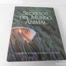 Libros de segunda mano: SECRETOS DEL MUNDO ANIMAL (EL ASOMBROSO MUNDO DE LOS ANIMALES Y PLANTAS) READER'S DIGEST-1996. Lote 196842285