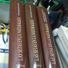 Libros de segunda mano: LAS SETAS EN LA NATURALEZA. 3 TOMOS. + LAS 50 MEJORES SETAS COMESTIBLES. RAMON MENDAZA. IBERDROLA. Lote 197096986