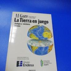Libros de segunda mano: LA TIERRA EN JUEGO. AL GORE. EMECE. 1993.. Lote 234177675
