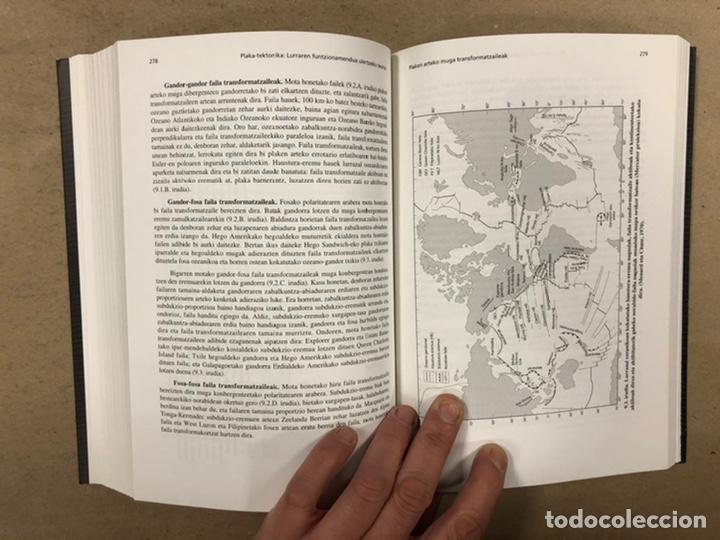 Libros de segunda mano: PLAKA TEKTONIKA: LURRAREN FUNTZIONAMENDUA ULERTZEKO TEORIA. ARTURO APRAIZ ATUTXA - Foto 11 - 247552635