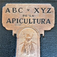 Libros de segunda mano: LIBRO ABC DE LA APICULTURA,CRIA CIENTIFICA Y PRACTICA DE ABEJAS,AÑO 1943,TEMA MIEL CAMPO,NATURALEZA. Lote 248397920