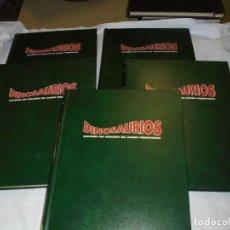 Libros de segunda mano: ENCICLOPEDIA DINOSAURIOS.AGOSTINI 1993.-5 TOMOS LLEVA LAS GAFAS 3D. Lote 251079530
