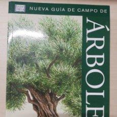 Libros de segunda mano: ARBOLES DE EUROPA.NUEVA GUIA DE CAMPO (GUIAS DEL NATURALISTA-ARBOLES Y ARBUSTOS). SPOHN. 2011. Lote 277187248