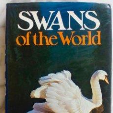 Libros de segunda mano: SWANS OF THE WORLD. SYLVIA BRUCE WILMORE. LIBRO DAVID & CHARLES. EN INGLES. Lote 287891908