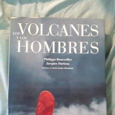 Libros de segunda mano: LOS VOLCANES Y LOS HOMBRES. 36X29. 3,8K. EXCELENTE ESTADO. BOURSEILLER Y DIRIEUX. Lote 296623678