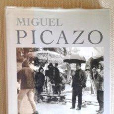 Libros de segunda mano: UN CINEASTA JIENENSE- MIGUEL PICAZO- DEDICATORIA DEL CINEASTA. Lote 51513173