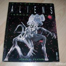 Libros de segunda mano: ALIEN. DISSECTING ALIENS. TERROR IN SPACE. 1995.. Lote 118644199