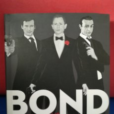 Libros de segunda mano: BOND VS BOND: THE MANY FACES OF 007 - PAUL SIMPSON - RACE POINT, 2015. Lote 129693316