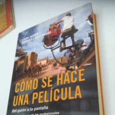 Libros de segunda mano: COMO SE HACE UNA PELÍCULA. DEL GUIÓN A LA PANTALLA. LINDA SEGER Y EDWARD J. WHETMORE. Lote 131285286