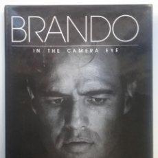 Libros de segunda mano: BRANDO MARLON FOTOGRAFÍA CINE LIBRO IN THE CAMERA EYE. Lote 151411238