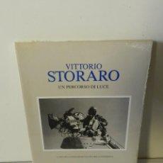 Libros de segunda mano: VITTORIO STORARO: UN PERCORSO DI LUCE 1989 .- NUEVO AUN RETRACTILADO. MUY DIFICIL. Lote 161350066