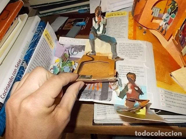 Libros de segunda mano: STAR WARS. A POP-UP GUIDE TO THE GALAXY. MATTHEW REINHART. 2007. DESPLEGABLES CON SABLES DE LUZ - Foto 12 - 166148141
