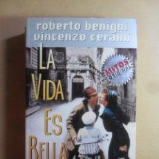 Libri di seconda mano: LA VIDA ES BELLA - ROBERTO BENIGNI / VINCENZO CERAMI - MITOS DE BOLSILLO - MONDADORI - 1999. Lote 171834067
