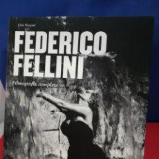Libros de segunda mano: FEDERICO FELLINI, FILMOGRAFÍA COMPLETA/ CHRIS WIEGDAN / TASCHEN, 2003. Lote 178723367
