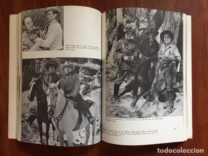 Libros de segunda mano: THE THRILL OF IT ALL HISTORIA DEL WESTERN SERIE B - Foto 3 - 178874366