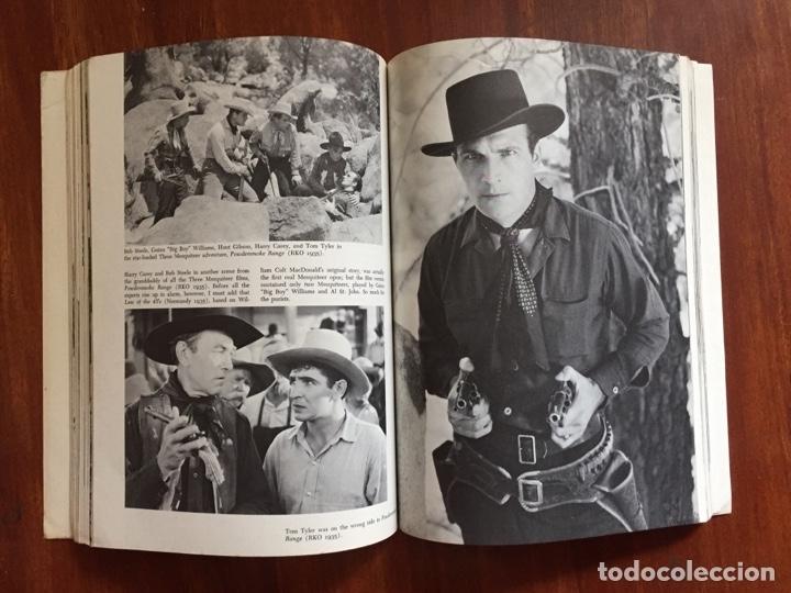 Libros de segunda mano: THE THRILL OF IT ALL HISTORIA DEL WESTERN SERIE B - Foto 4 - 178874366