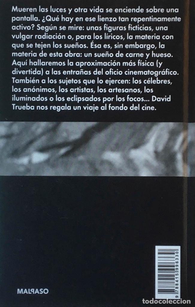 Libros de segunda mano: Vivir es fácil con los ojos cerrados. Cuaderno de rodaje y guion. David Trueba. - Foto 2 - 196130006