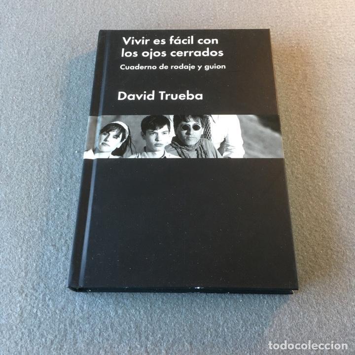 Libros de segunda mano: Vivir es fácil con los ojos cerrados. Cuaderno de rodaje y guion. David Trueba. - Foto 5 - 196130006