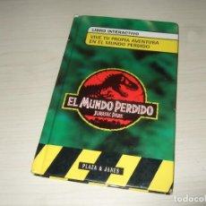 Libros de segunda mano: LIBRO INTERACTIVO EL MUNDO PERDIDO JURASSIC PARK TIPO ELIGE TU AVENTURA DE PLAZA & JANES. Lote 204846483