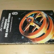 Libros de segunda mano: LA CIENCIA FICCION EN EL CINE / VINIERON DEL ESPACIO EXTERIOR / JIM WYNORAKY / ESQ121. Lote 231736050